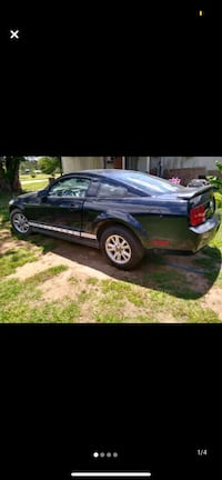 Car for sale 05 mustang $2000