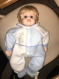 "Heritage Mint Ltd. doll approximately 20"" tall Jessup, 20794"