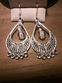 pair of silver-colored hook earrings Shillington, 19607