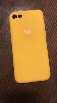 Yellow silicone heart case for Iphone 7/8