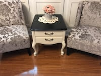 End table, night stand, French country vintage  Caledon, L7C