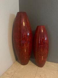 Pair of red vases El Paso, 79924