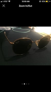 Rayban sunglasses no scratches with case and glass cleaner 244 mi