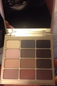 "Stila palette in ""mind"" brand new with box Langley, V3A 8N7"