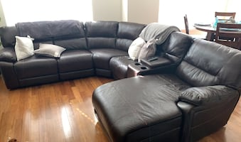 Sectional Couch (recliner)