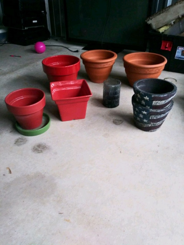 Flower pots all for forty or ten a piece