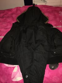 Size small Point Zero jacket (kids) (would fit tiny adult)  Lachine, H8S 3N9