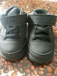 pair of black leather shoes Los Angeles, 90018
