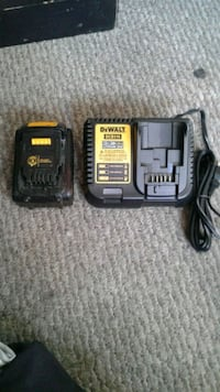 Dewalt 20v battery and charger Calgary, T2W 3N6