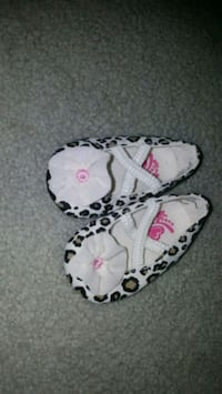 0-3 month shoes  Stratford, N5A