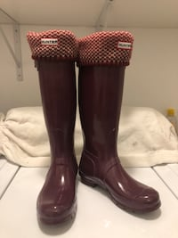 Burgundy Hunters Boots with Matching Socks (US 6M/7F) Toronto, M3H 2T6