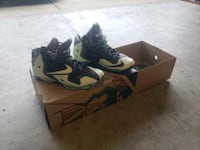 Lebron 11 Gumbo Collector Shoes Size 8 (glow in dark)
