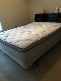 Sealy Pillow top Queen Size Mattress, box spring & Frame 26 km