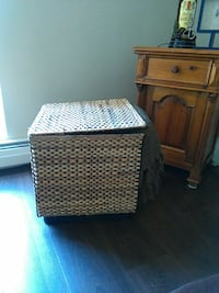 wicker basket with a top that opens Vancouver