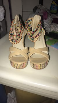 pair of white leather open-toe heels Springfield, 22151