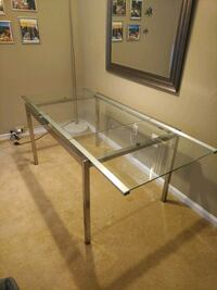Glass dining table - extandable Lorton, 22079