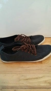 Dark blue casual shoes Richmond, V7A 3M5