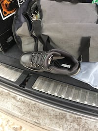 Pair of black-and-white adidas sneakers Montréal, H1Z 2G8