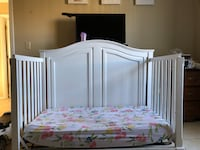 Painted white crib with mattress Winter Haven, 33884