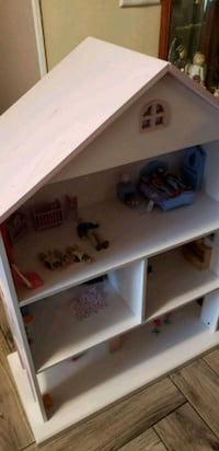 Barbie/ doll house  Wichita, 67205