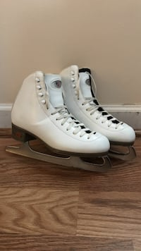 Riedell size 6 women's figure skates Mount Airy, 21771