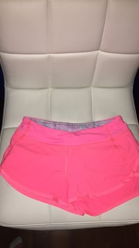 bright pink ivivva short size youth medium Belleville, K8N 4Z4