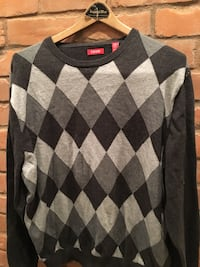 Black and gray argyle sweater size xl West Springfield, 01089
