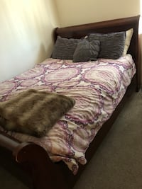 Queen used wooden bed set Sacramento, 95815