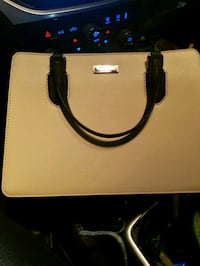 white and black leather handbag Airdrie, T4B