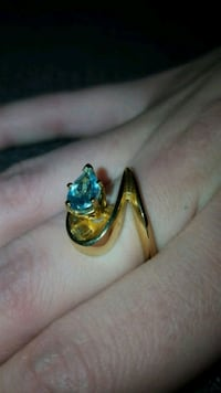 14 CARAT SOLID GOLD AQUAMARINE RING Dundalk