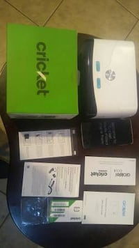 UNLOCKED smartphone and VR glasses bundle.  Like new in PERFECT CONDITION  22 km