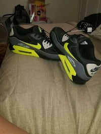 Men's (Neon yellow) Size 11, Grey 6.5 Youth.  Columbus