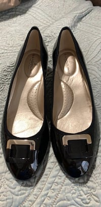 Shoes - New Brandolino Size 8 McDonough, 30252