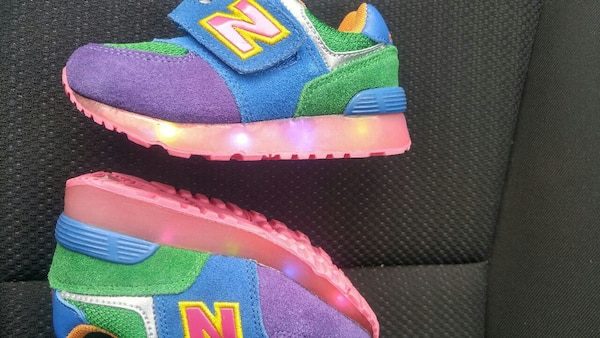 huge discount aed3d 791a1 New Balance 574 toddler light up soles 9C