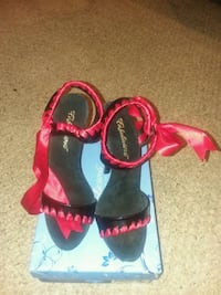 New Women's Fabulicious dress shoes  Odenton, 21113