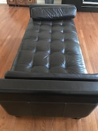 Macy's day bed dark brown leather Bel Air, 21014
