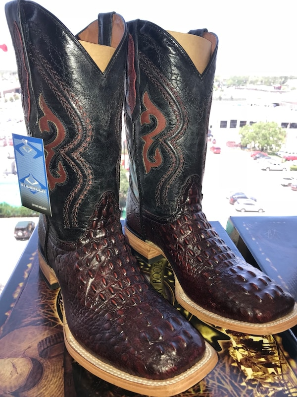 Men's size 9,10 Black Cherry Printed Hornback Boots