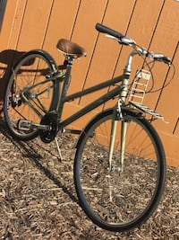 Trek hybrid / cruiser like  new multiple speeds