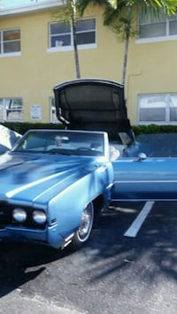 1969 convertible oldsmobile 98 wit skirts Sunrise