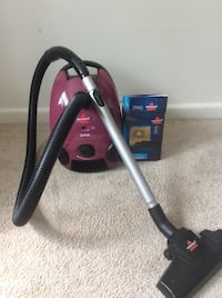 Vacuum with one filter and six bags  Falls Church, 22042
