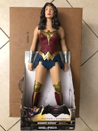 "19"" Collectible Big Wonder Woman Figurine Miami, 33176"