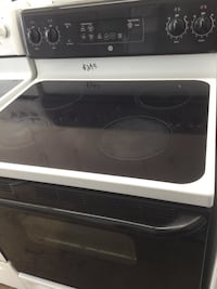 GE Black & White Glass Top Electric Stove! 30-Day Guarantee! Delivery Available  Dayton, 45403