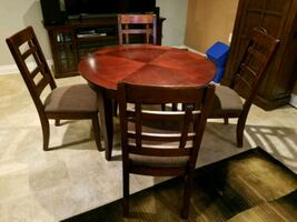 round kitchen or dining table