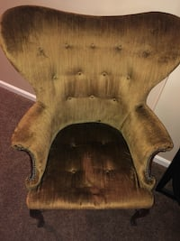Heavy old chair. Price negotiable   Accokeek, 20607