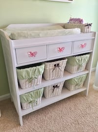 POTTERY BARN KIDS ULTIMATE CHANGING TABLE Aldie, 20105