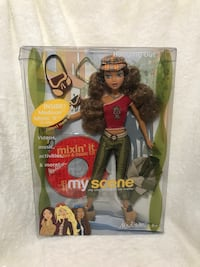 2003 Mattel Barbie My Scene Cafe Hanging Out Madison Doll With CD(D-1)