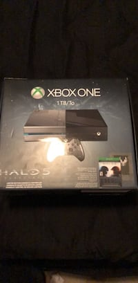 Xbox one halo 5 limited edition in good condition Brownsville, 78526