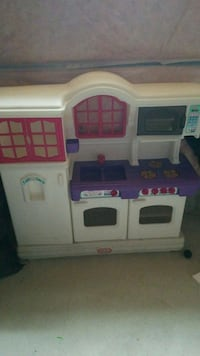 Little Tikes play kitchen Whitchurch-Stouffville, L4A 0S4