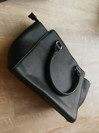 black leather leather crossbody bag Los Angeles, 91402