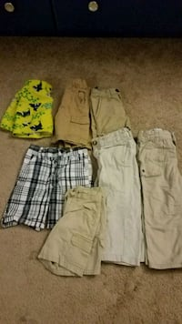 three assorted color cargo shorts Germantown, 20874